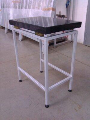 Антивібраційний стіл