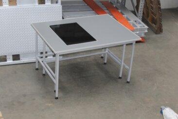Антивібраційний стіл з меблевою плитою